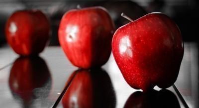 three-Apple-focus-
