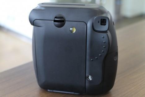 Fujifilm-Instax-Mini-8-back