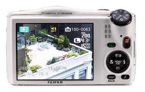 fujifilm-finepix-f750exr-1