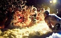 Более 40 человек получили ожоги глаз на пенной вечеринке