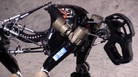 робот-обезьяна