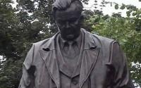 В Москве открыт памятник Александру Твардовскому