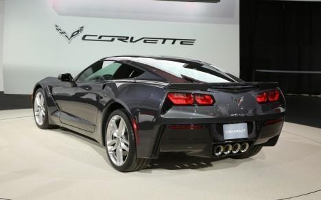 2014-Chevrolet-Corvette1