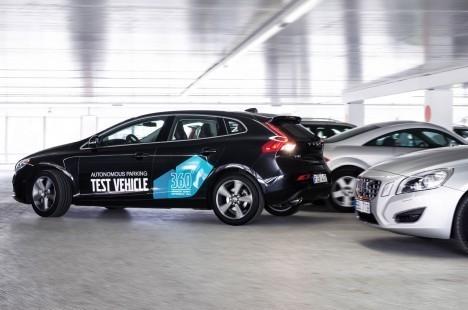 Volvo-V40-autonomous-parking