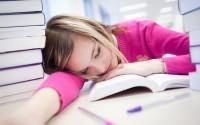 Медиками доказана взаимосвязь между усталостью, недосыпанием и страстью к сладкому