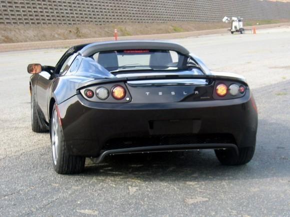 тесла-электромобиль