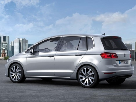 VW-Golf-Sportsvan-2014