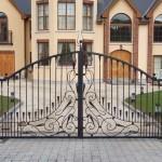 Выбираем ворота для дома