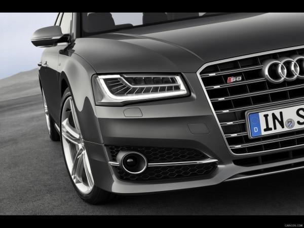 Audi S8-2