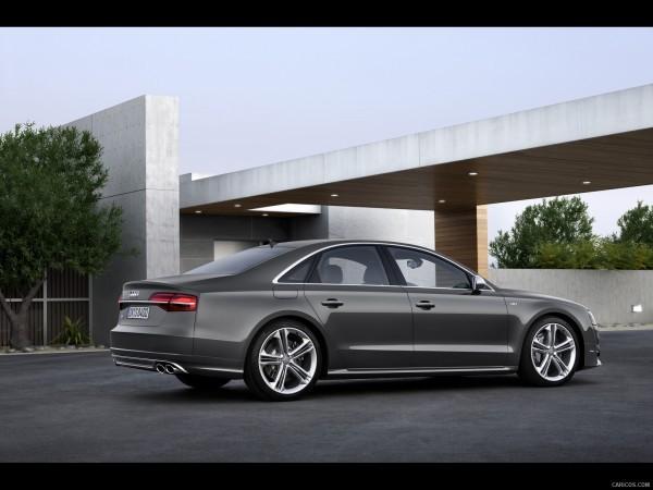 Audi S8-2014