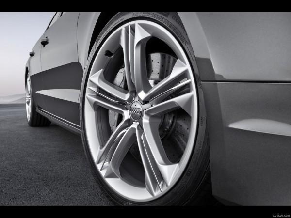 Audi S8-3