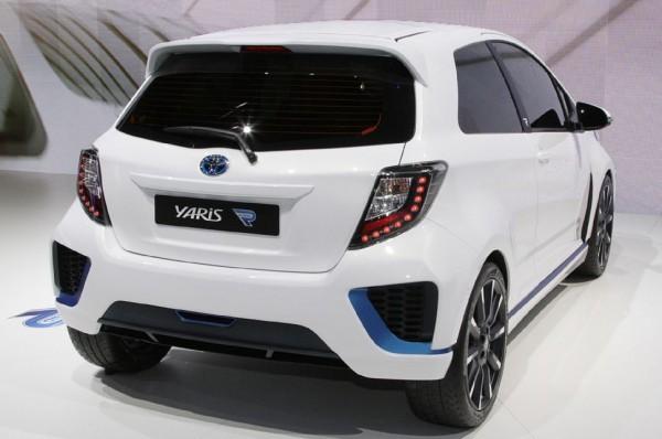 Toyota-Yaris-Hybrid-R-Concept