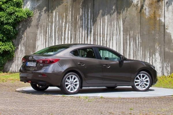 2014-Mazda3-Sedan