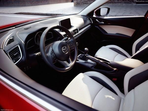 Mazda-3_салон