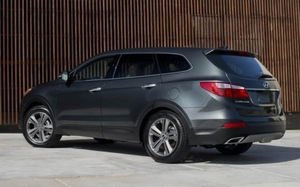 Hyundai-Grand-Santa-Fe-2014-1