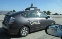Гугл продвинет Андроид в автомобилестроение.