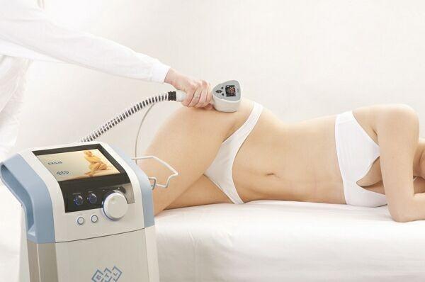 Лечение растяжек с помощью аппаратной косметологии