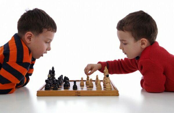 Почему нужно обучать ребенка игре в шахматы