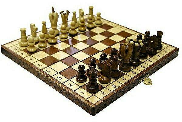 малые деревянные шахматы