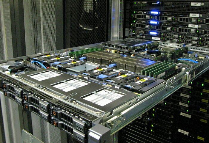 Сервера для хостинга движок создания сайта социальной сети