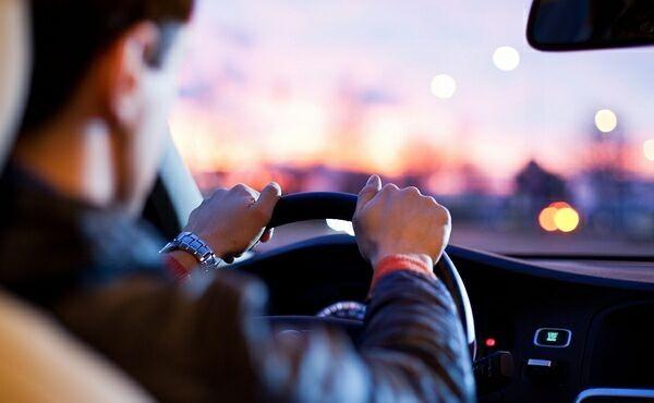 трезвый водитель довезёт до дома и припаркует ваше авто