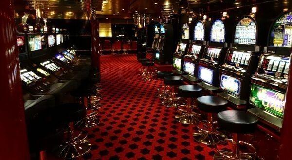 слоты и казино