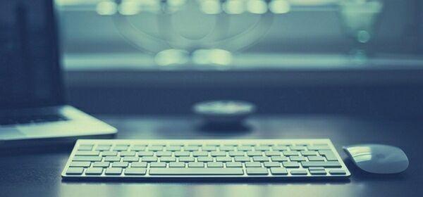 Мониторы и клавиатура