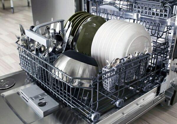 отремонтированная посудомоичная машина