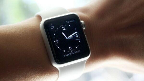 apple watch на руке
