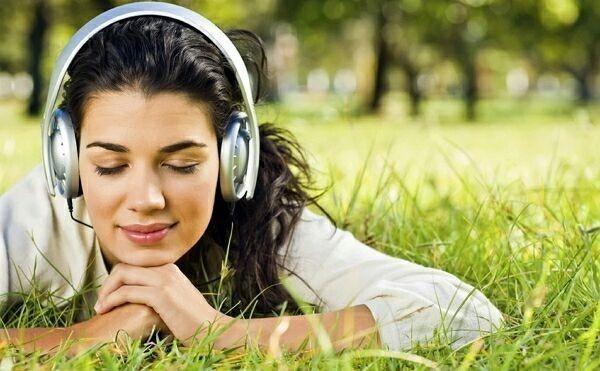 прослушивание музыки на природе