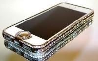 Чехол для IPhone: яркая необходимость