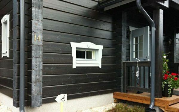 Какой краской покрасить деревянный дом