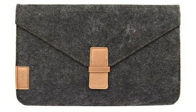 Черный чехол-карман для MacBook Air от Comma