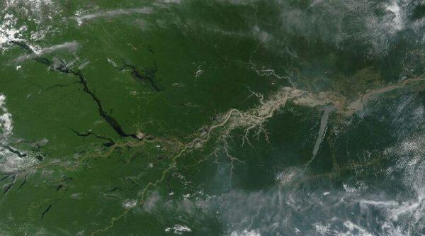 река амазонка вид с космоса