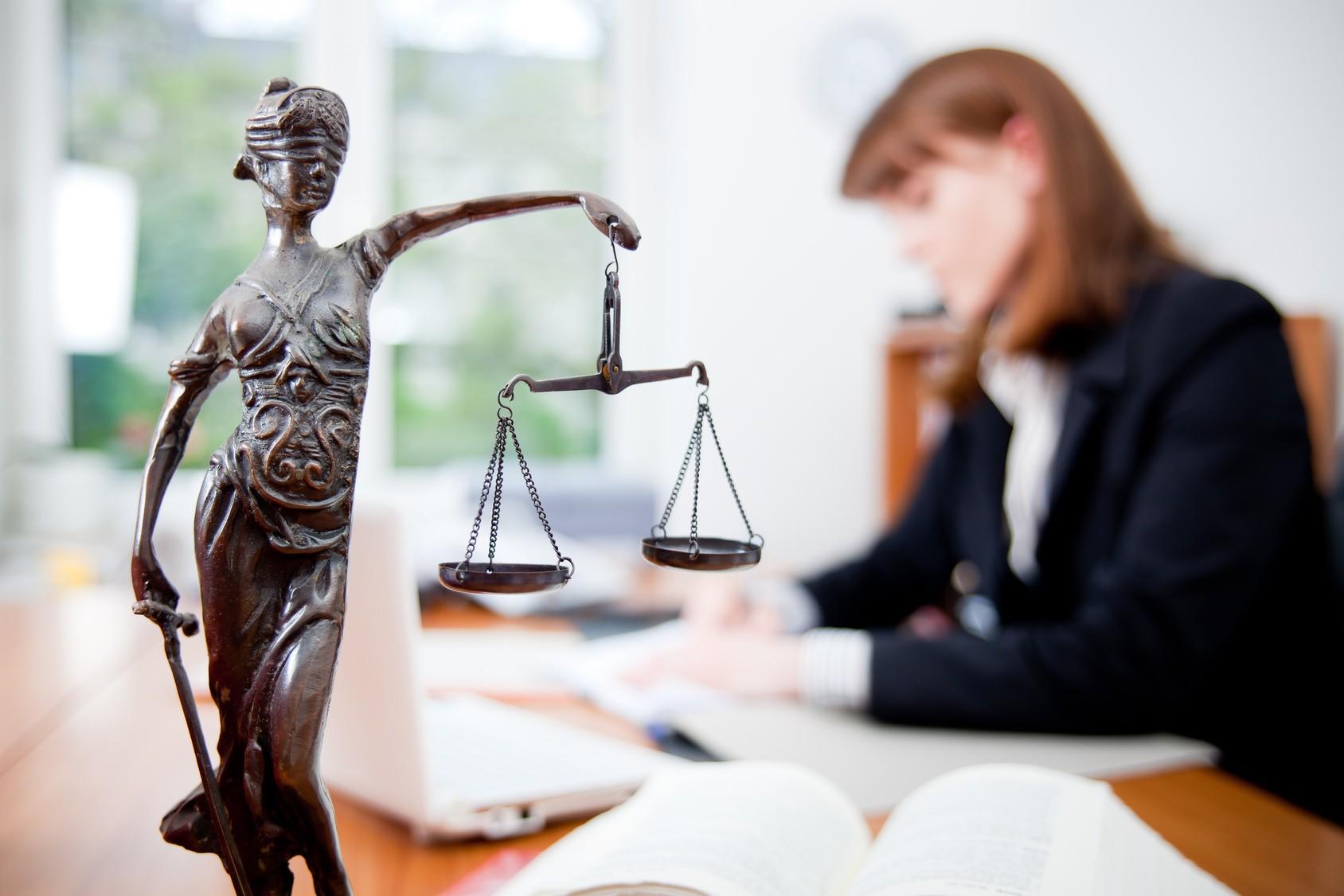 Помощь юриста: как выбрать грамотного специалиста?