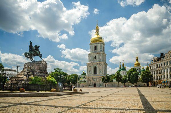 Что посмотреть в Киеве и где недорого остановиться?