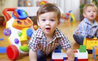 Подарки детям: чем порадовать малыша?