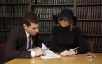 Как снять деньги на похороны, если у покойного человека был открыт счет в банке?