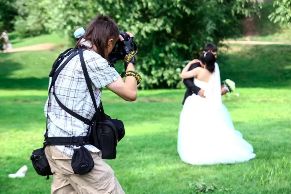 Как выбрать и где найти хорошего свадебного фотографа