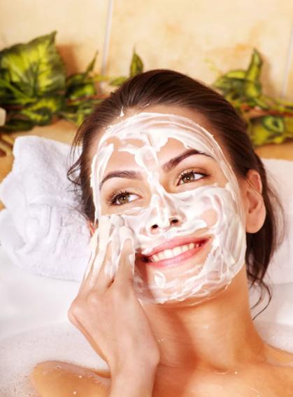 Маска для кожи лица из природных компонентов