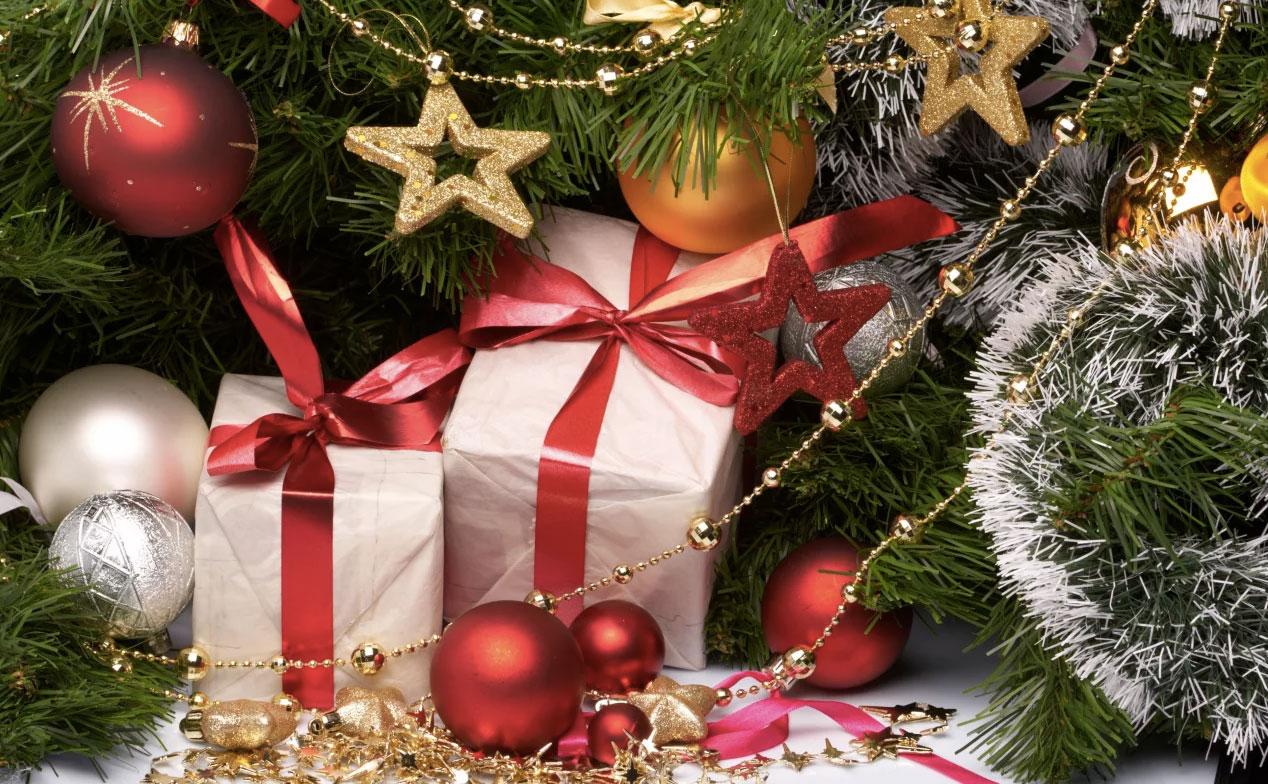 Как лучше преподнести новогодний подарок