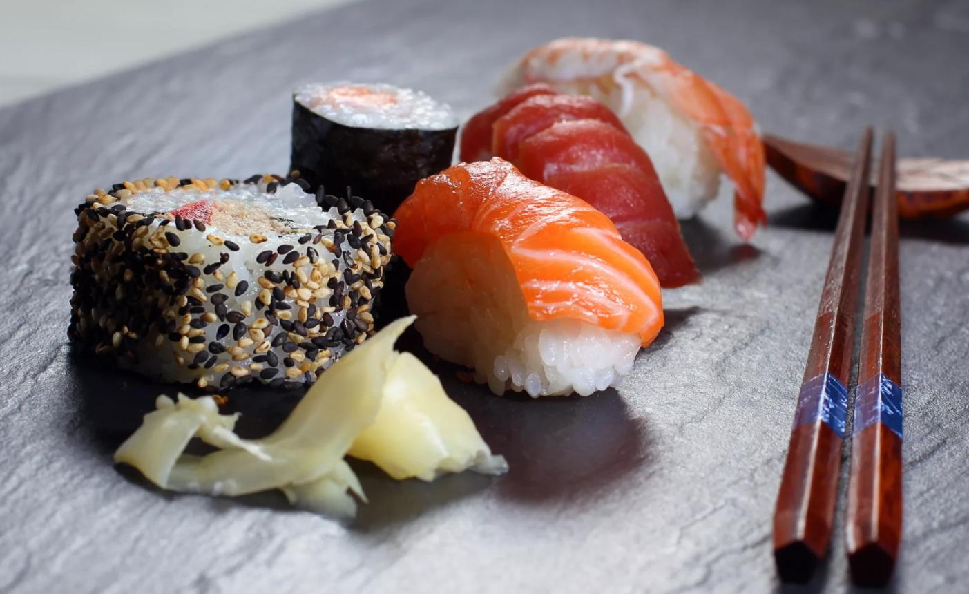 Суши вкусно и недорого: делайте заказы в проверенном месте
