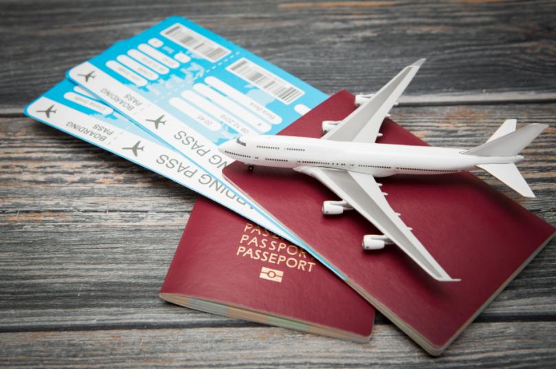 В какое время самые дешевые билеты на самолет цена билетов на самолет саратов адлер цена