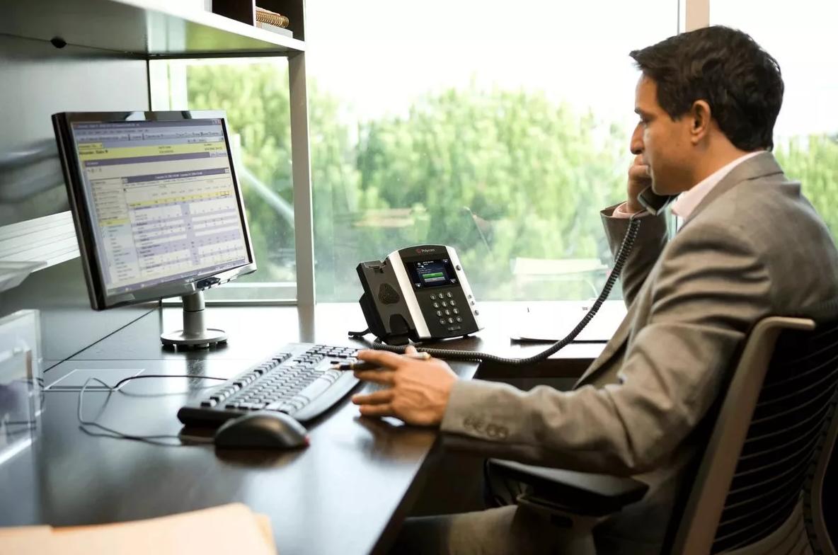 Стоит ли полностью отказываться от традиционной телефонии в офисе и перейти на IP-телефонию?