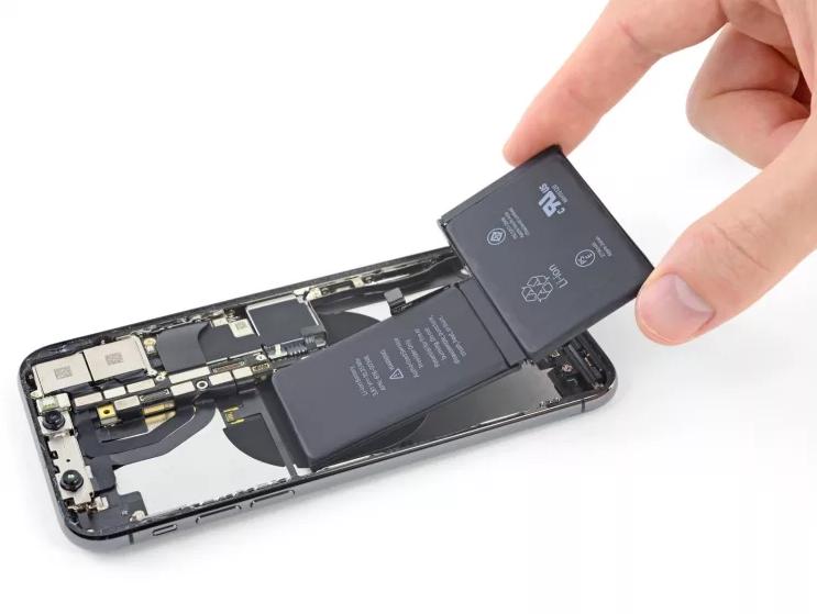 Покупка батареи на Айфон X: выбирайте запчасти по правильным ценам