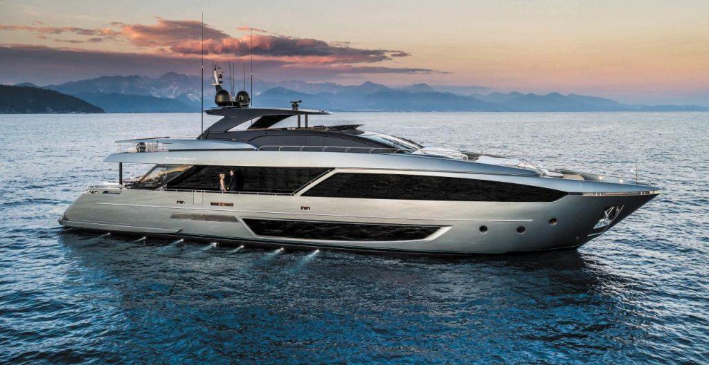 Качественные и дорогие моторные яхты
