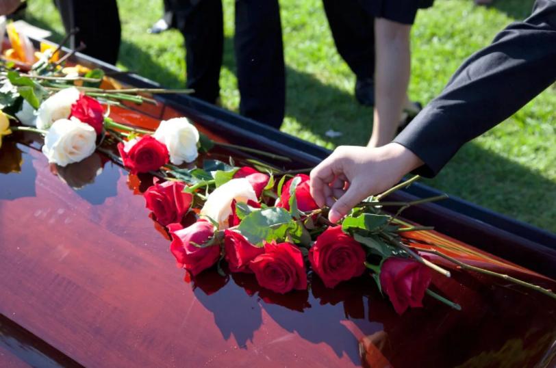 Похороны в Беларуси: как правильно организовать траурное мероприятие?