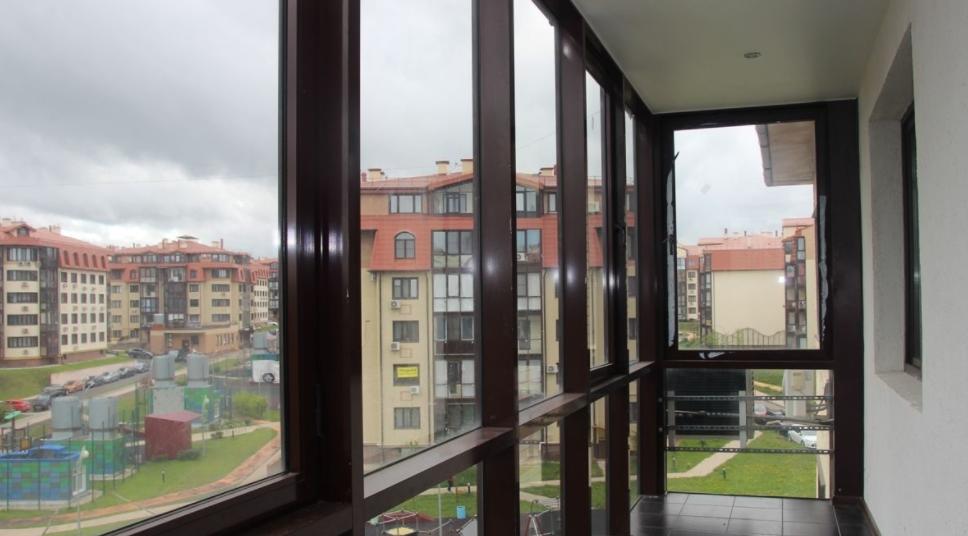Остекление балконов и лоджий: преимущества и виды