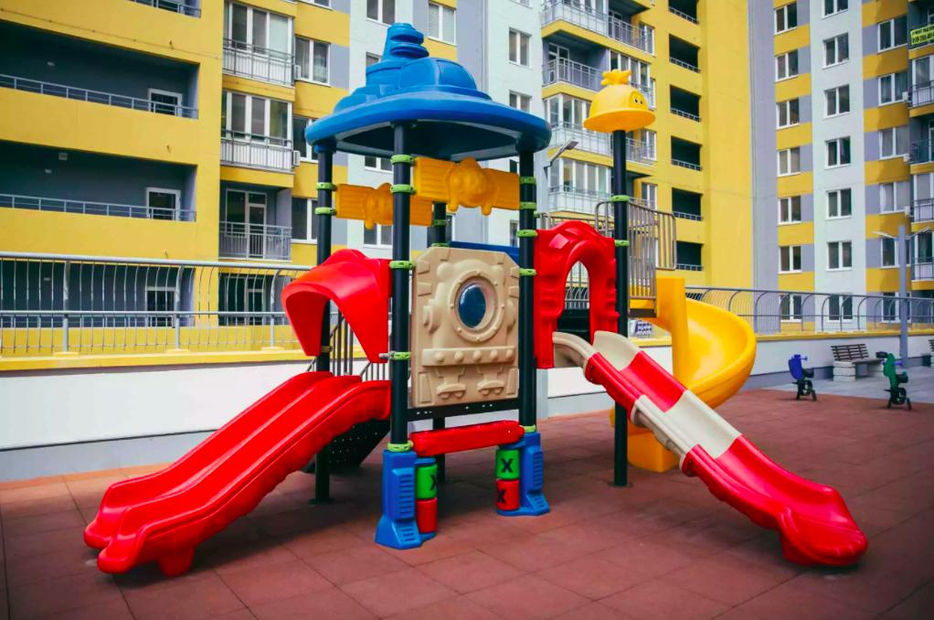 Обустройство детских площадок современного образца
